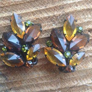 Jewelry - Vintage Austria Clip Earrings